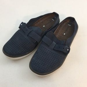 Merrell perforated leather slide one